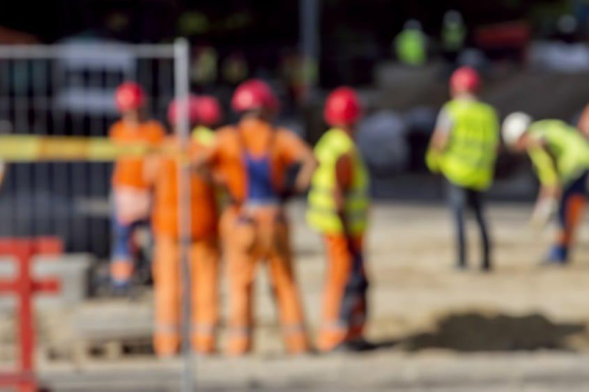 Construction-workers-blur.jpg