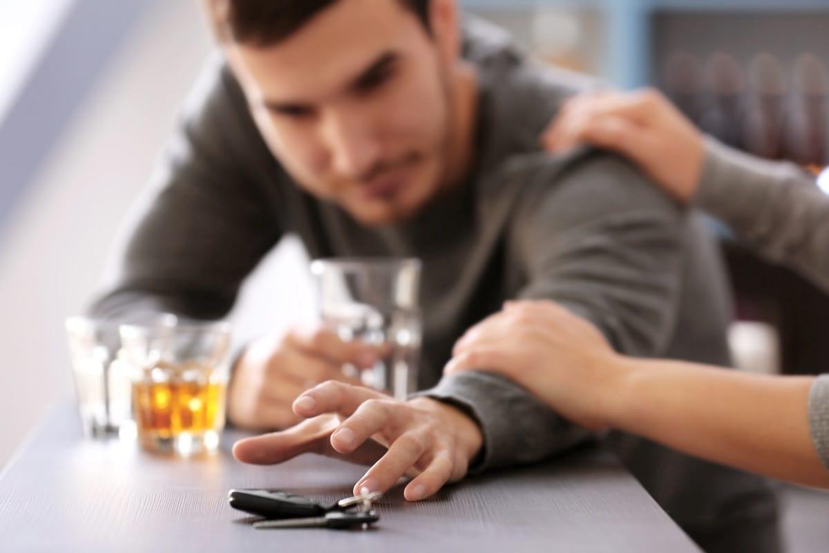 Drunk-driver-drinking-driving.jpg