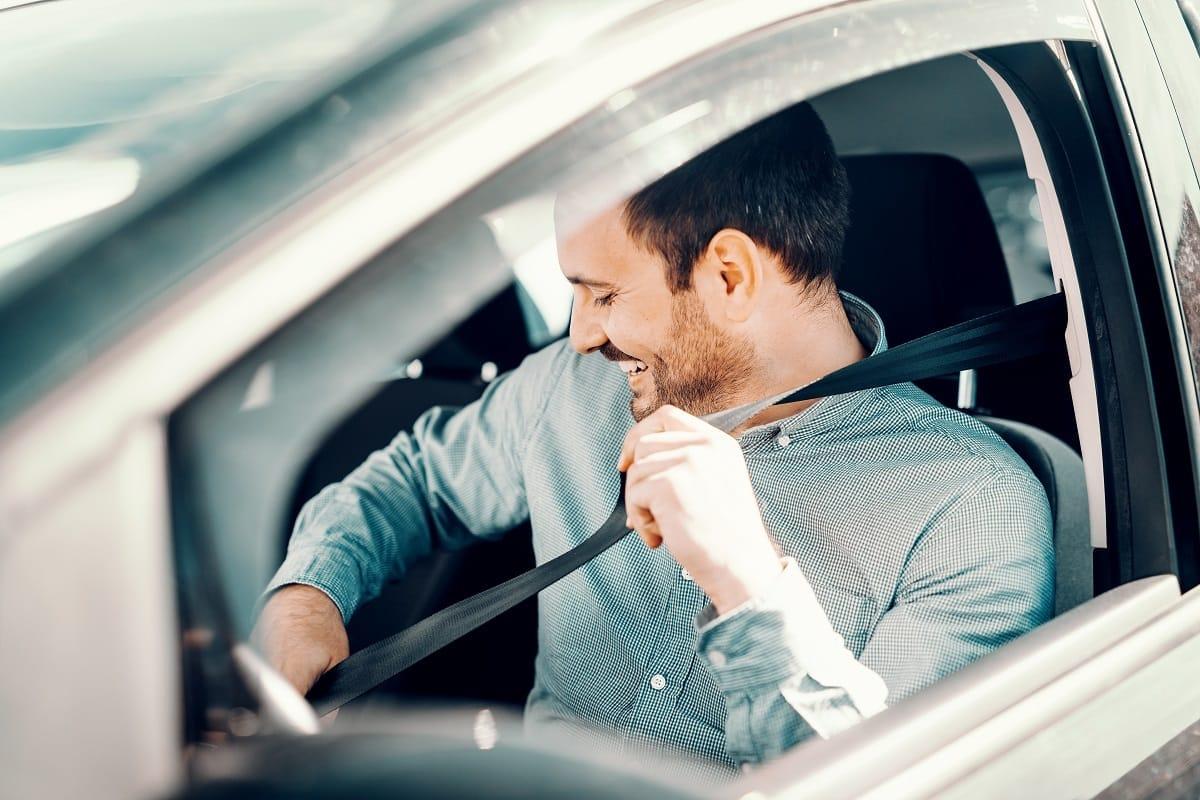 Safe-driver-defensive-driving-man-car.jpg