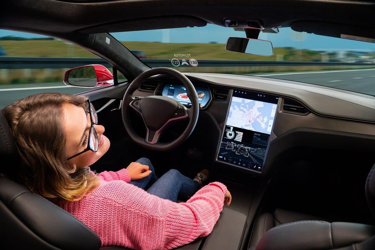 Self-driving-car-autonomous-vehicle-driverless.jpg